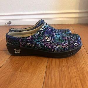 Nurse shoes NEW